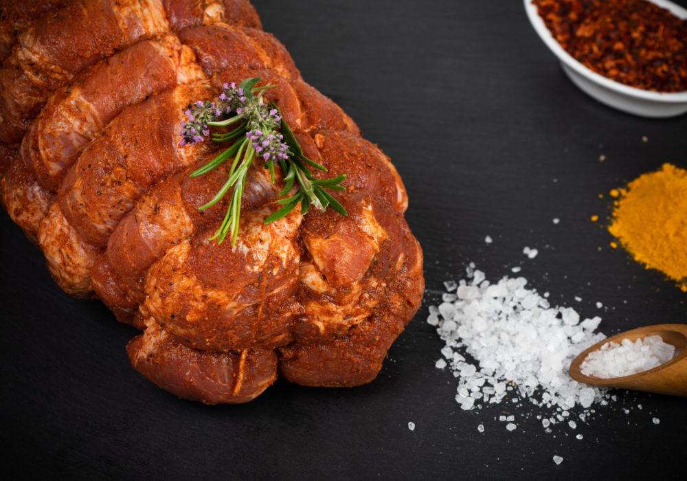 Rôti cou de porc épicé